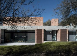 Estudio BLT design the GPL Brick House surrounded by typical trees of the sierras in Mendiolaza, Argentina