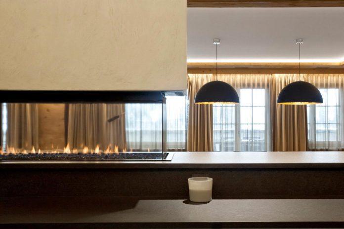 fairytale-mountain-wooden-apartment-rougemont-switzerland-plusdesign-06