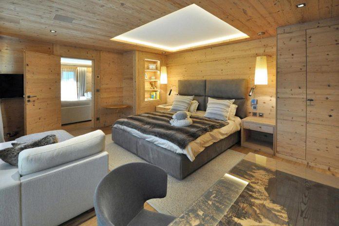 fairytale-mountain-wooden-apartment-rougemont-switzerland-plusdesign-11
