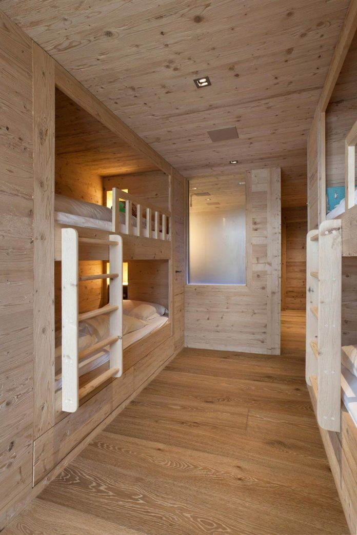 fairytale-mountain-wooden-apartment-rougemont-switzerland-plusdesign-15