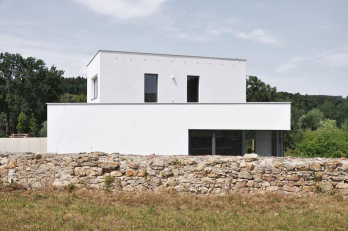 family-house-end-town-atelier-111-01