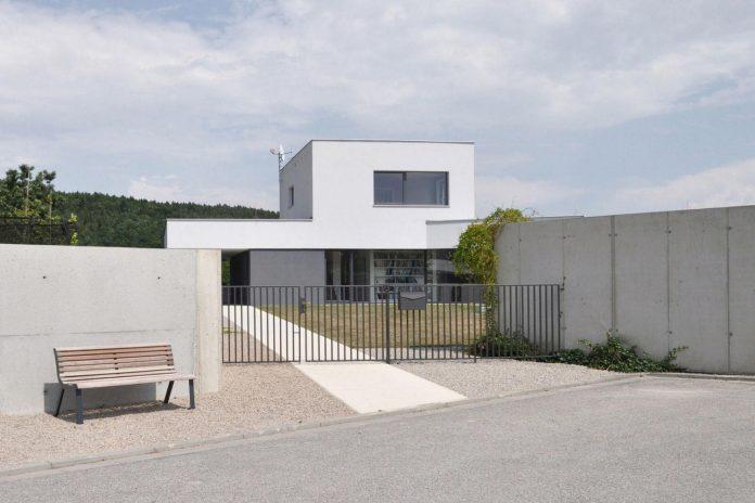 family-house-end-town-atelier-111-02