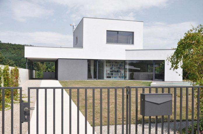 family-house-end-town-atelier-111-03