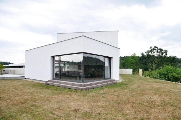 family-house-end-town-atelier-111-07