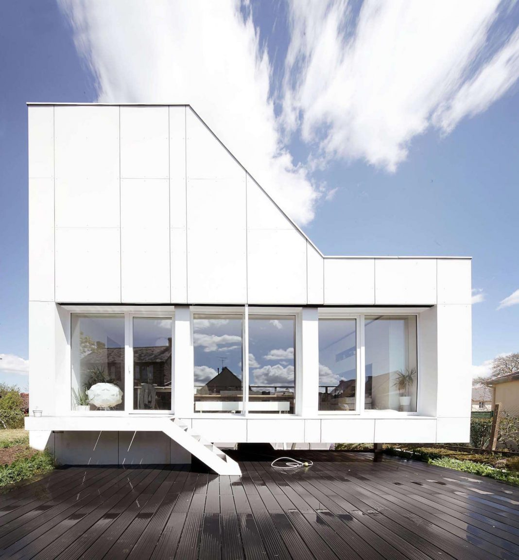Flying Box Prefabricated Villa by 2A Design Architecture ...