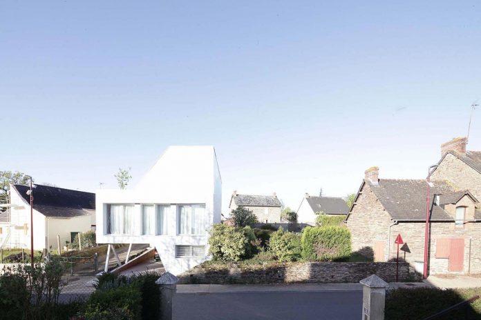 flying-box-prefabricated-villa-2a-design-architecture-03