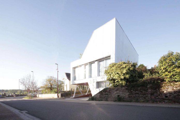 flying-box-prefabricated-villa-2a-design-architecture-04