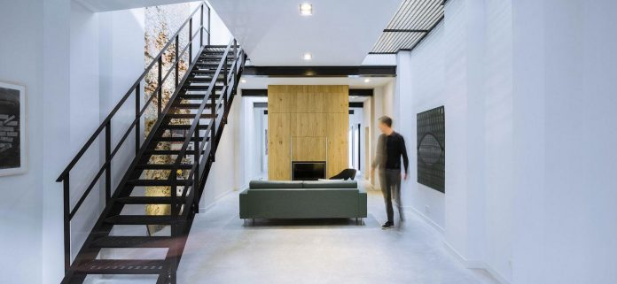 former-office-workshop-completely-renovated-converted-contemporary-loft-02