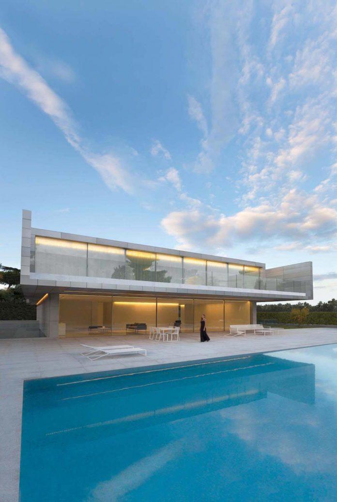 fran-silvestre-arquitectos-design-modern-two-storey-aluminium-residence-located-madrid-21