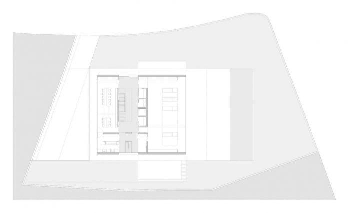 fran-silvestre-arquitectos-design-modern-two-storey-aluminium-residence-located-madrid-25