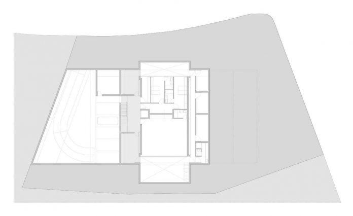 fran-silvestre-arquitectos-design-modern-two-storey-aluminium-residence-located-madrid-28