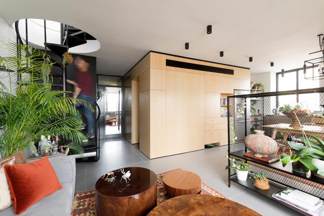 Fun-ctional Box apartment in Tel Aviv by K.O.T project