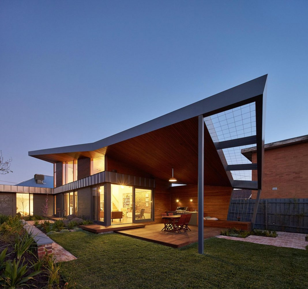 Guild architects redesigned the yarraville garden house Solar architect