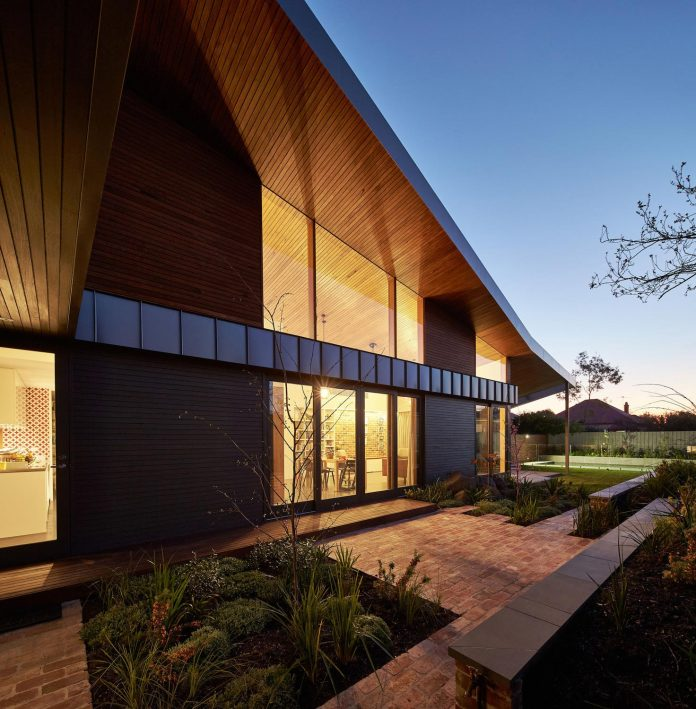 guild-architects-redesigned-yarraville-garden-house-passive-solar-design-adaptation-19