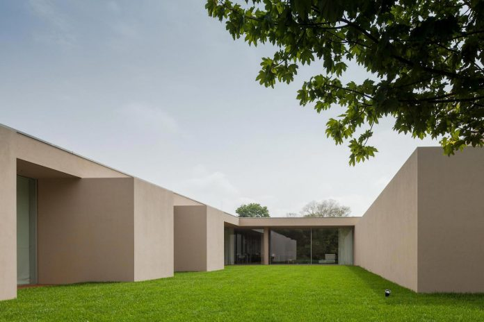 house-2l-residential-neighborhood-porto-236-arquitectos-06