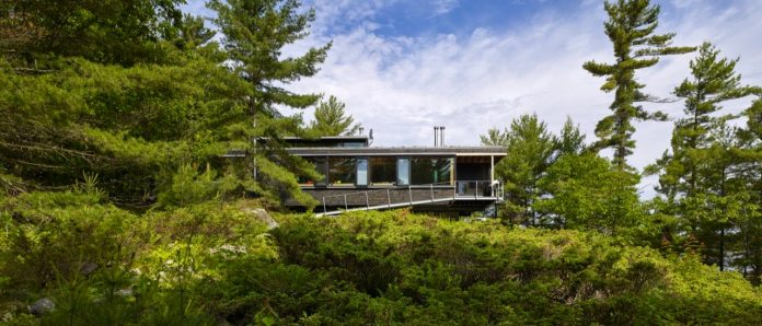 ian-macdonald-design-go-home-bay-cabin-located-ontarios-georgian-bay-archipelago-02