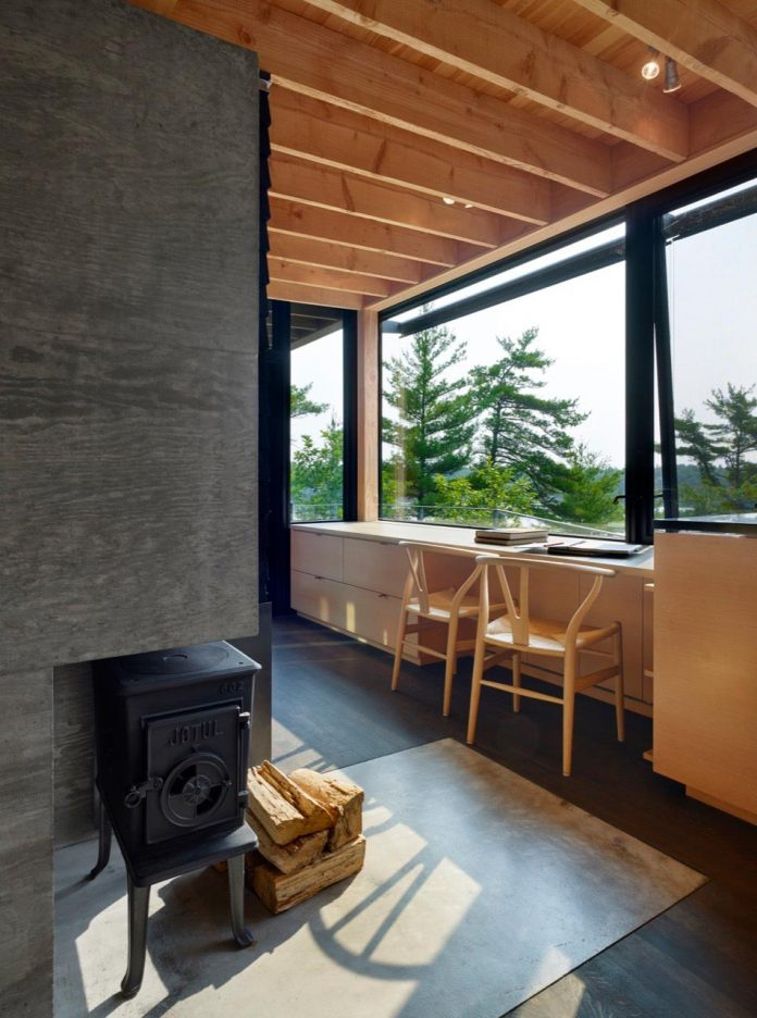 ian-macdonald-design-go-home-bay-cabin-located-ontarios-georgian-bay-archipelago-05