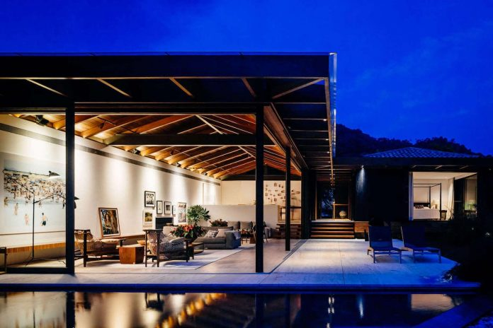 jacobsen-arquitetura-design-rt-house-located-private-area-surrounded-vegetation-10