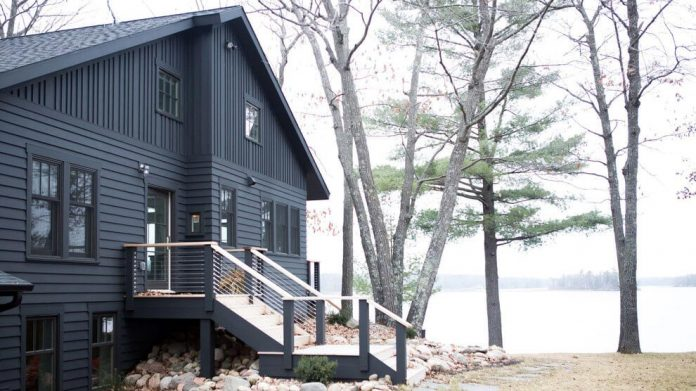 lake-cabin-western-wisconsin-transformed-within-become-serene-modern-retreat-albertsson-hansen-architecture-13