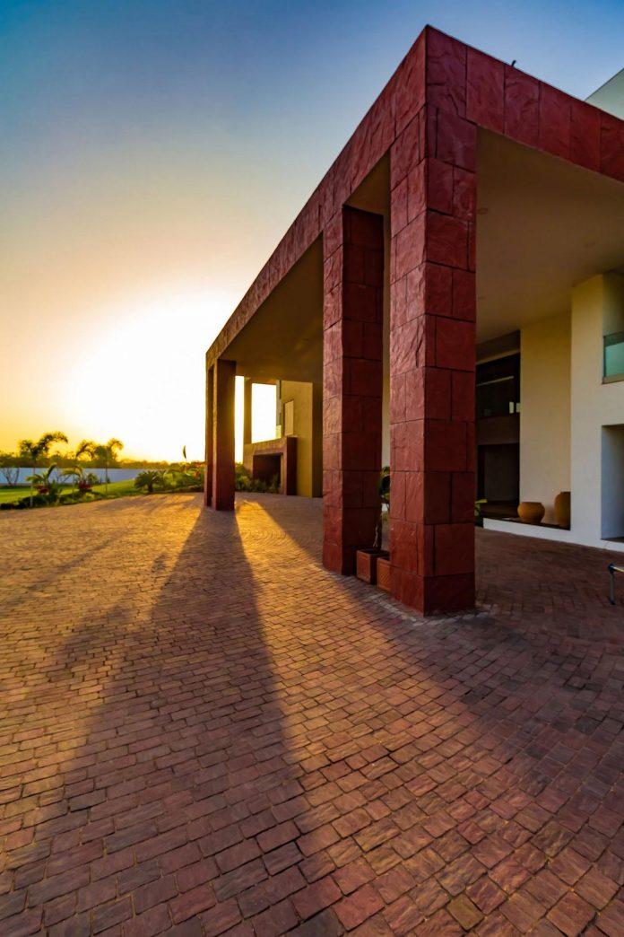 layvir-luxury-villa-ramesh-patel-associates-06