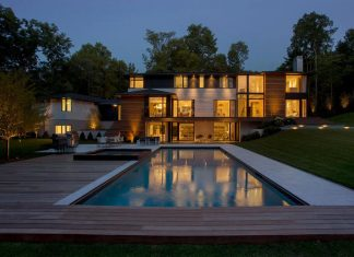 Ledgewood Contemporary New England style home by LDa Architecture & Interiors