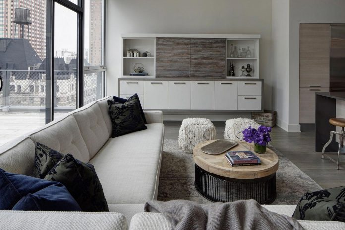 lg-interiors-design-stylish-chic-penthouse-epi-center-downtown-chicago-02