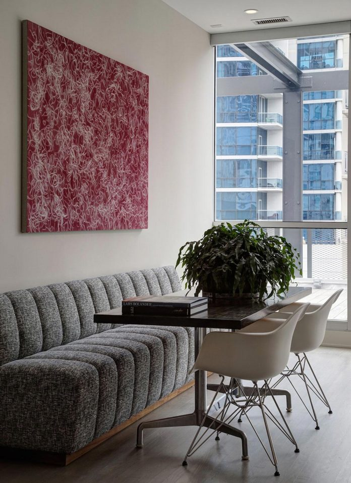 lg-interiors-design-stylish-chic-penthouse-epi-center-downtown-chicago-06