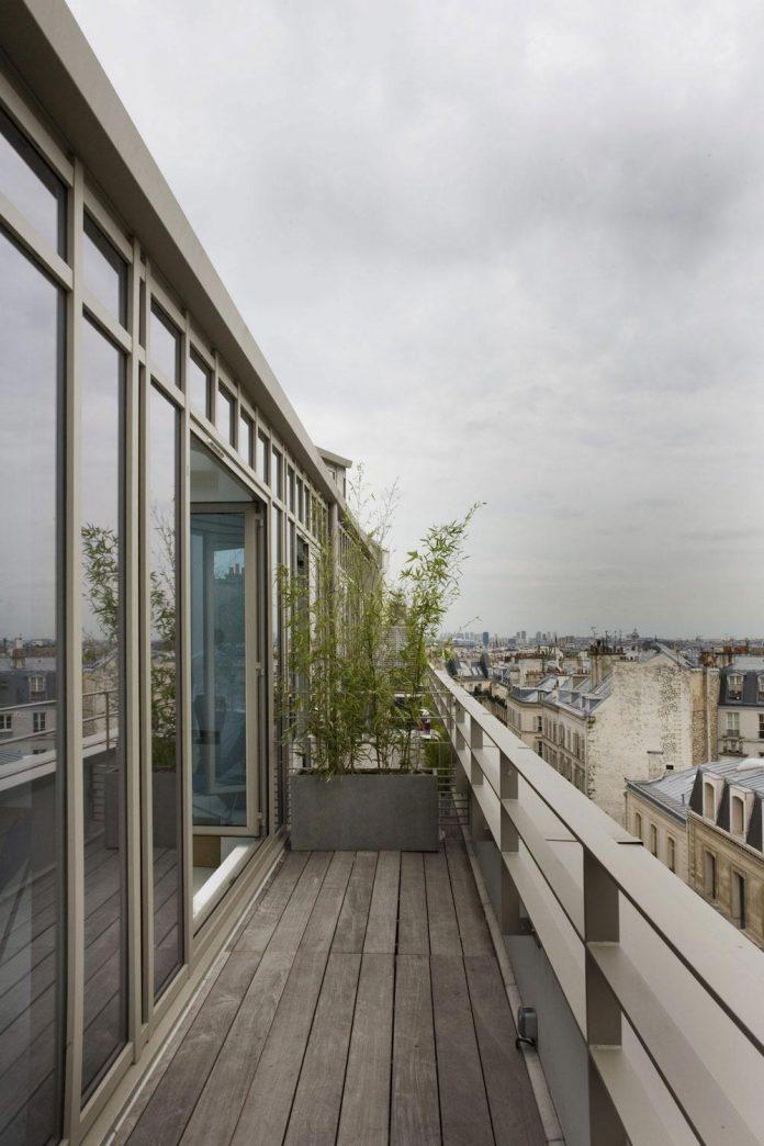 lk contemporary pale colour loft in paris designed by. Black Bedroom Furniture Sets. Home Design Ideas
