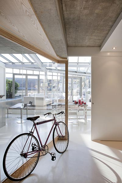 lk-contemporary-pale-colour-loft-paris-designed-olivier-chabaud-architectes-05