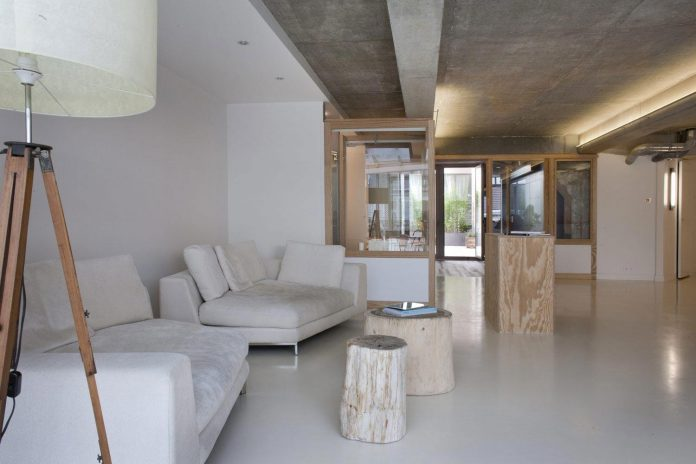lk-contemporary-pale-colour-loft-paris-designed-olivier-chabaud-architectes-08