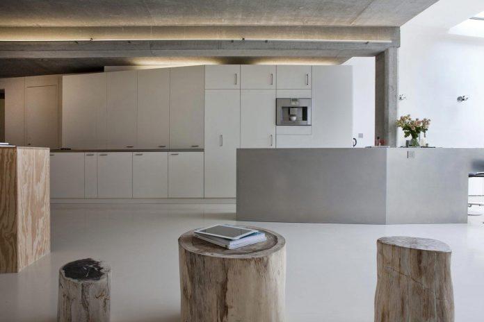 lk-contemporary-pale-colour-loft-paris-designed-olivier-chabaud-architectes-09