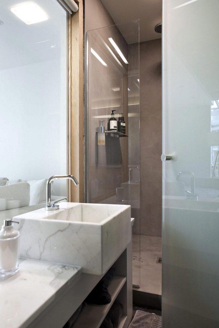 lk-contemporary-pale-colour-loft-paris-designed-olivier-chabaud-architectes-15