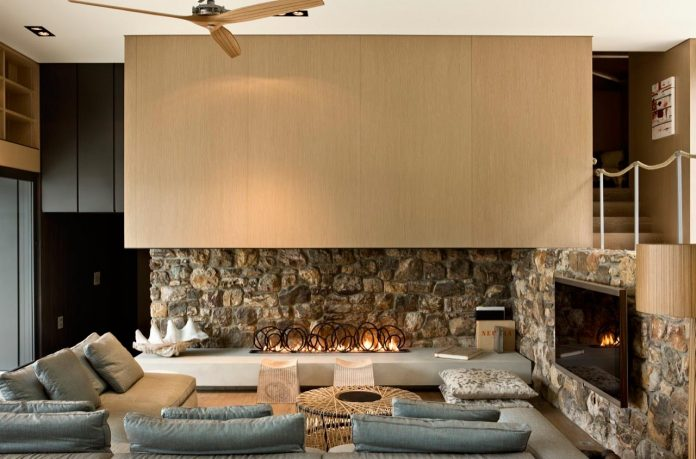local-rock-summer-residence-waiheke-island-pattersons-01