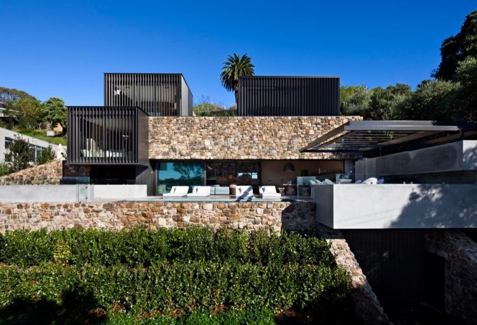 local-rock-summer-residence-waiheke-island-pattersons-05