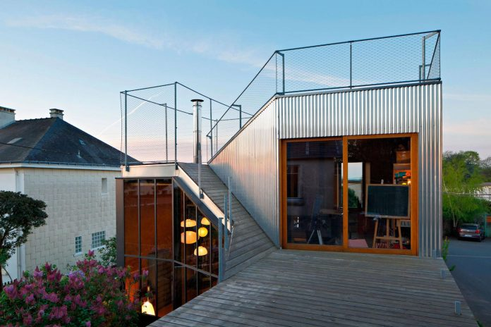 metal-wood-house-extension-nantes-designed-mabire-reich-architects-10