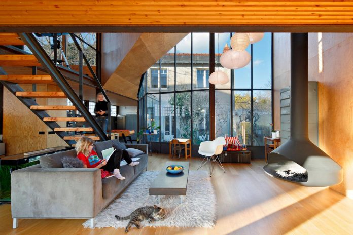 metal-wood-house-extension-nantes-designed-mabire-reich-architects-13