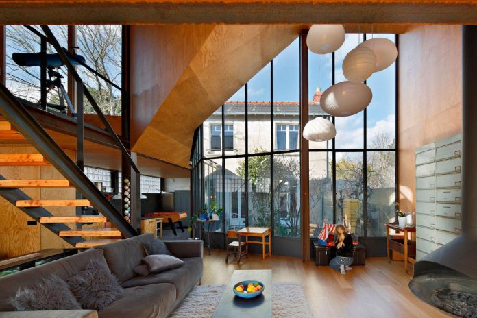 metal-wood-house-extension-nantes-designed-mabire-reich-architects-14