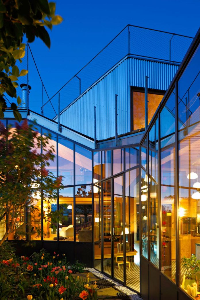 metal-wood-house-extension-nantes-designed-mabire-reich-architects-27