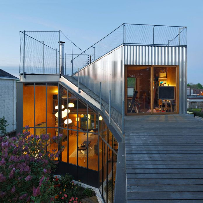 metal-wood-house-extension-nantes-designed-mabire-reich-architects-29