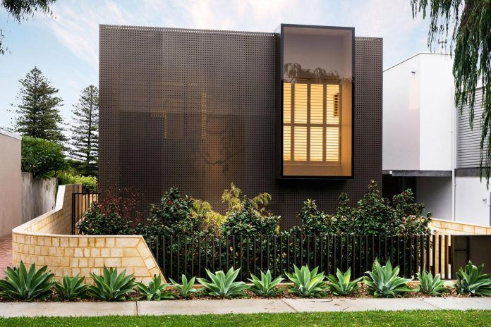 minimalistic-bronze-metalwork-exterior-chamberlain-street-residence-weststyle-design-development-04