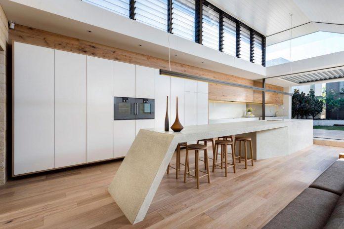 minimalistic-bronze-metalwork-exterior-chamberlain-street-residence-weststyle-design-development-10