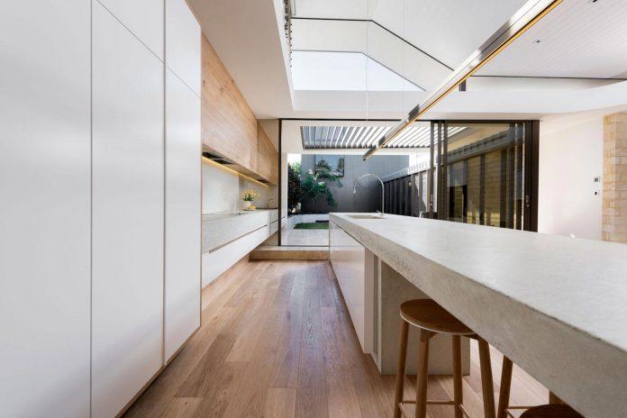 minimalistic-bronze-metalwork-exterior-chamberlain-street-residence-weststyle-design-development-11