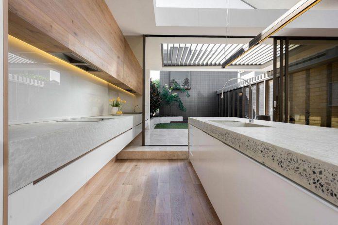 minimalistic-bronze-metalwork-exterior-chamberlain-street-residence-weststyle-design-development-12