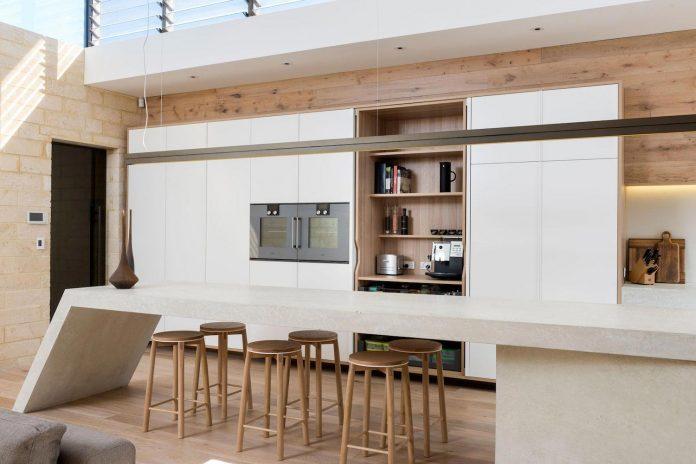 minimalistic-bronze-metalwork-exterior-chamberlain-street-residence-weststyle-design-development-13