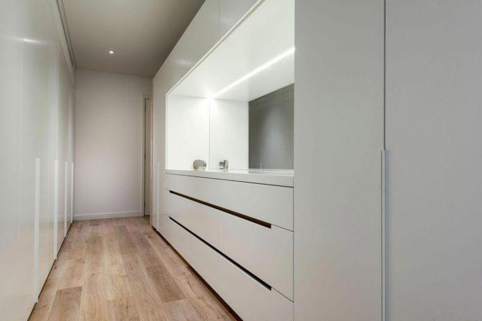 minimalistic-bronze-metalwork-exterior-chamberlain-street-residence-weststyle-design-development-19