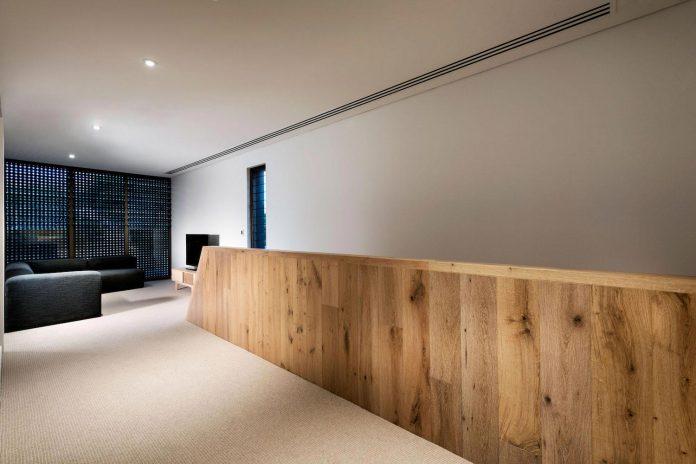 minimalistic-bronze-metalwork-exterior-chamberlain-street-residence-weststyle-design-development-27