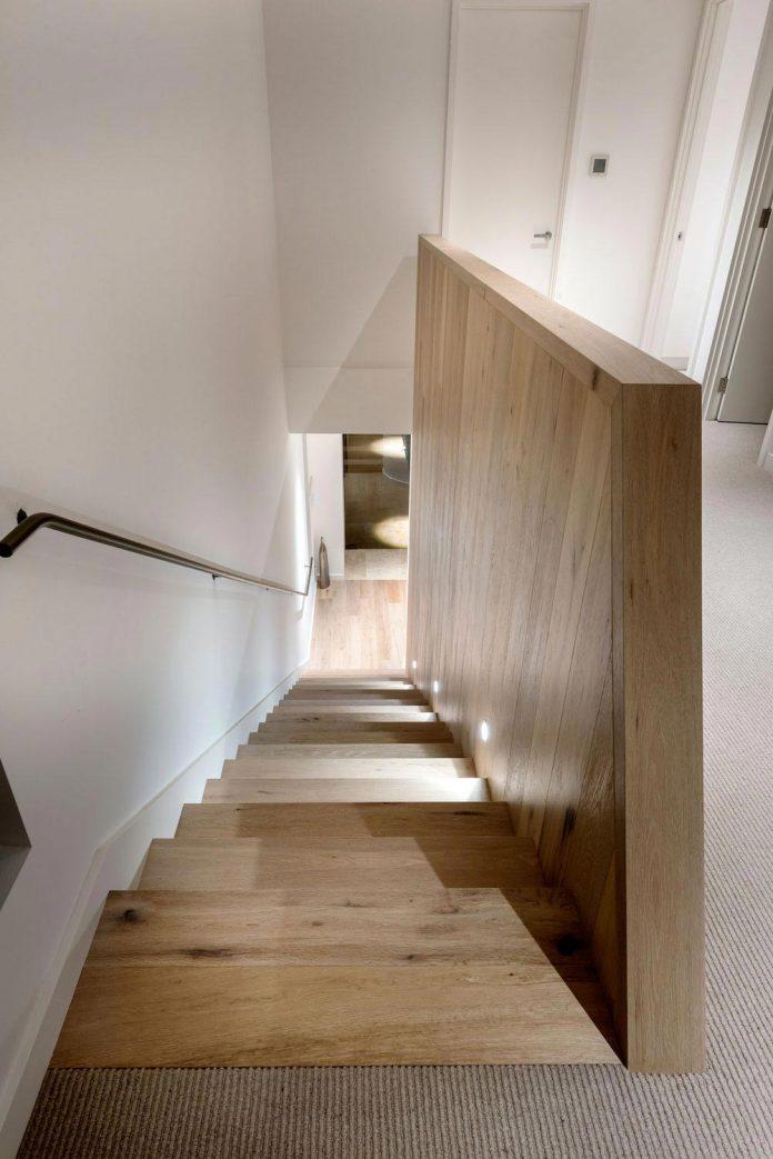 minimalistic-bronze-metalwork-exterior-chamberlain-street-residence-weststyle-design-development-28