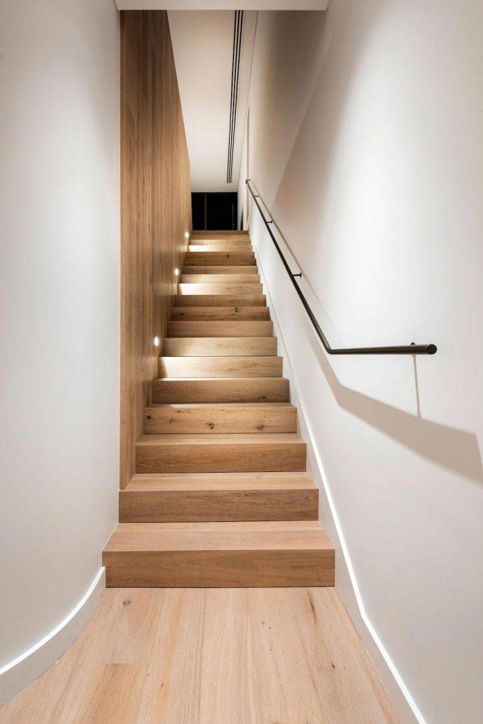 minimalistic-bronze-metalwork-exterior-chamberlain-street-residence-weststyle-design-development-29