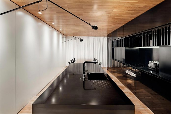 modern-city-loft-combine-black-white-natural-wood-designed-studio-mode-sofia-bulgaria-06