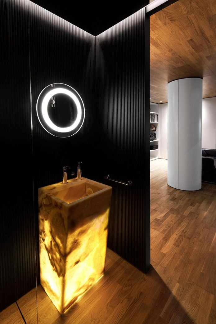 modern-city-loft-combine-black-white-natural-wood-designed-studio-mode-sofia-bulgaria-18